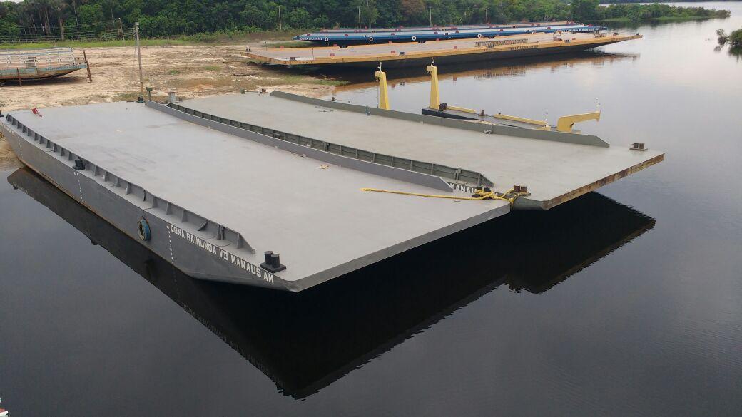 Read more about the article Construção de balsa e empurrador em Manaus