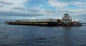 Transporte de cargas em balsas no trecho Belém Santarém